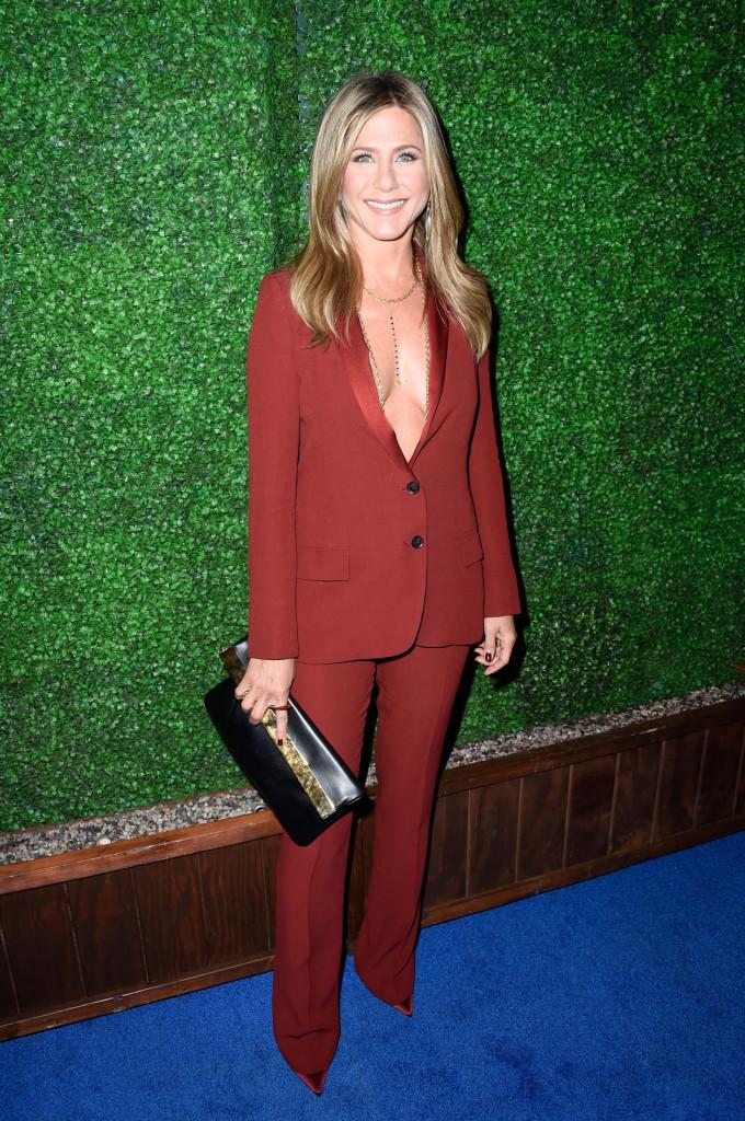 Jennifer-Aniston-680x1024.jpg