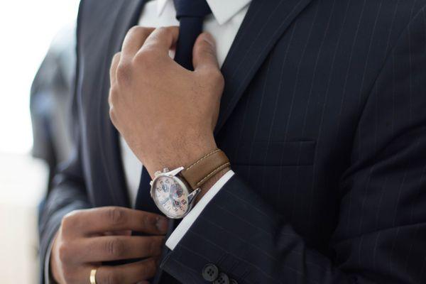12 Tipps Wie man einen Anzug richtig trägt Hockerty