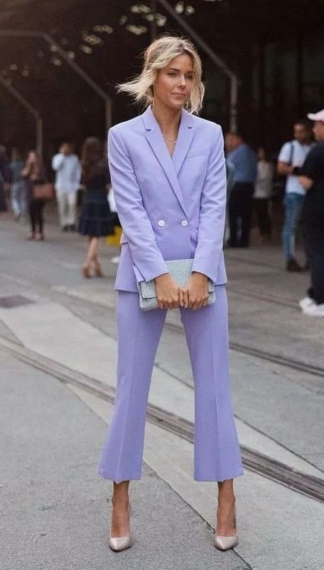 women purple pantsuit