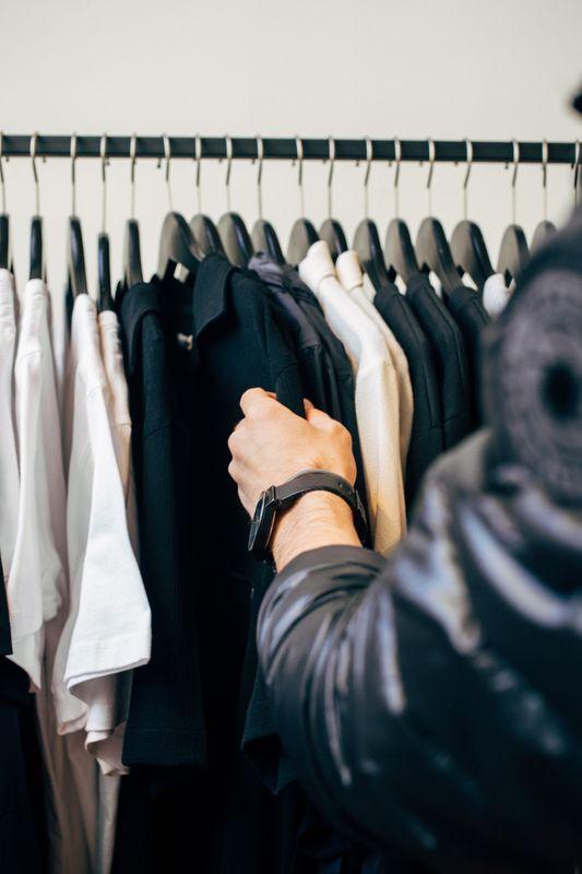 How to Dress Like Richard Madden