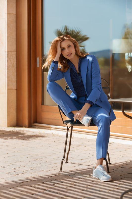 business casual style suit