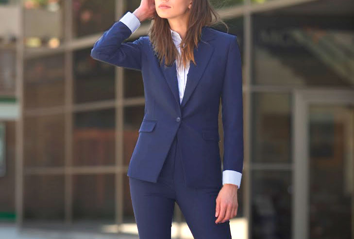 1c9aa0a6bdf Il semblerait parfois que les hommes ont plus de facilités à suivre les  exigences d une tenue imposée  ils mettent un costume et les voilà tout  apprêtés.